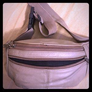 Handbags - Vintage 90's Fanny Pack Crossbody